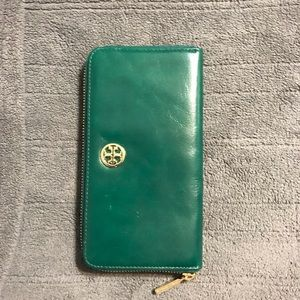 Green Leather Tory Burch wallet